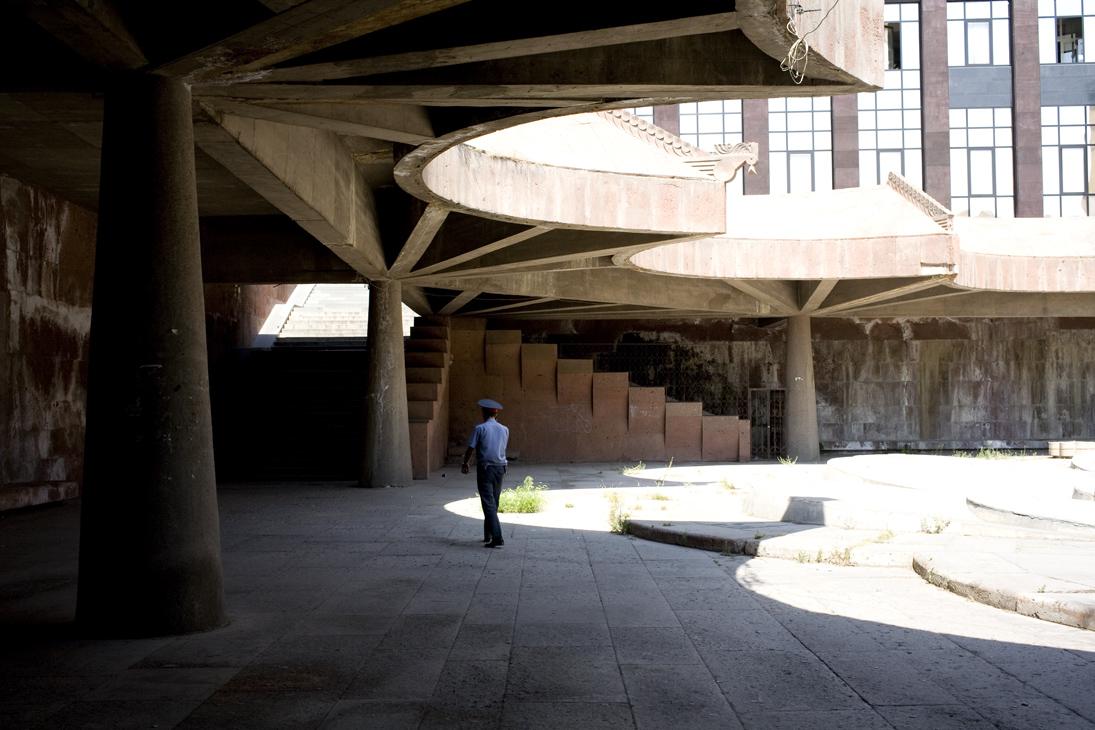 yerevan, metrohalte plein van de republiek